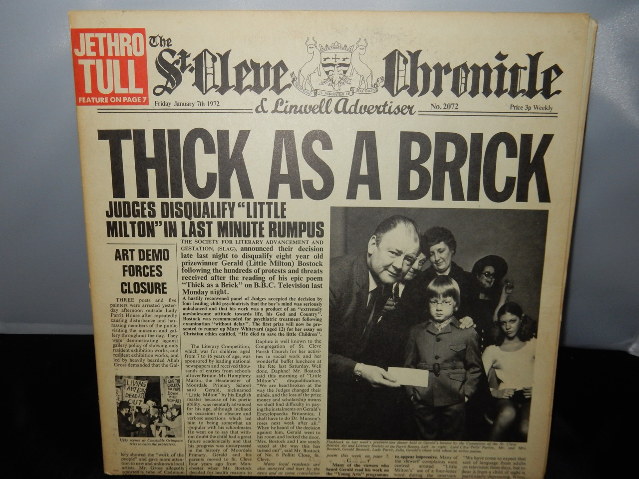 "Jethro Tull ""Thick As A Brick"" Vinyl LP in Gatefold Sleeve 1972"